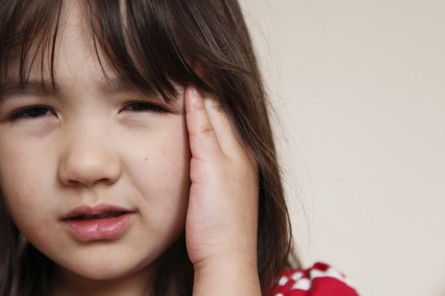 Cha mẹ cần hết sức chú ý tới các dấu hiệu đau đầu vùng trán ở trẻ em.